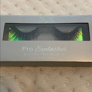 New in packaging eyelashes